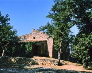Chateauloin (tour gardant l'entrée du village